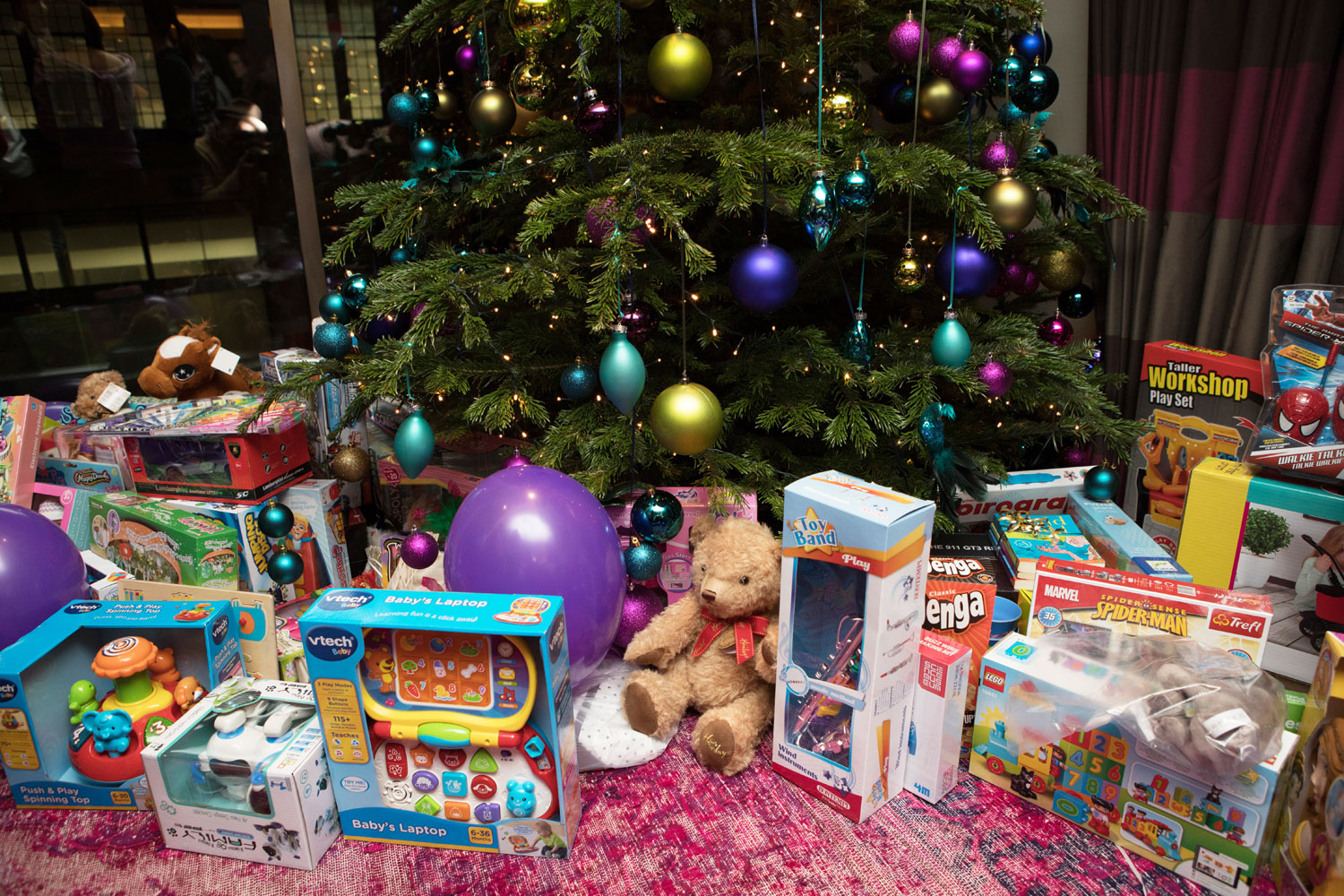 London Comes Out To Support Xmas Toy Party in Aid of Barts Charity 10