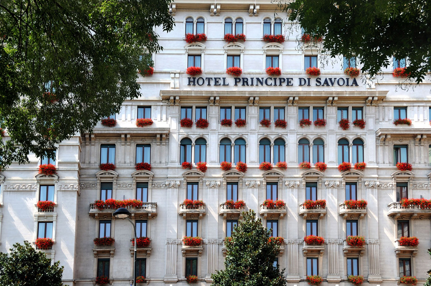 Elegance Meets Timeless Tradition at Hotel Principe di Savoia in Milan 5