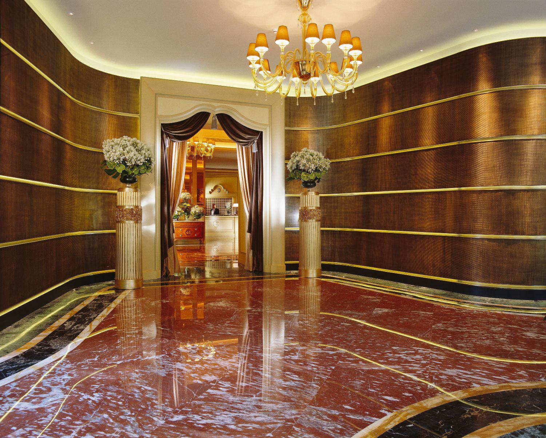 La dolce vita at milan s luxurious hotel principe di savoia for Hotel milan