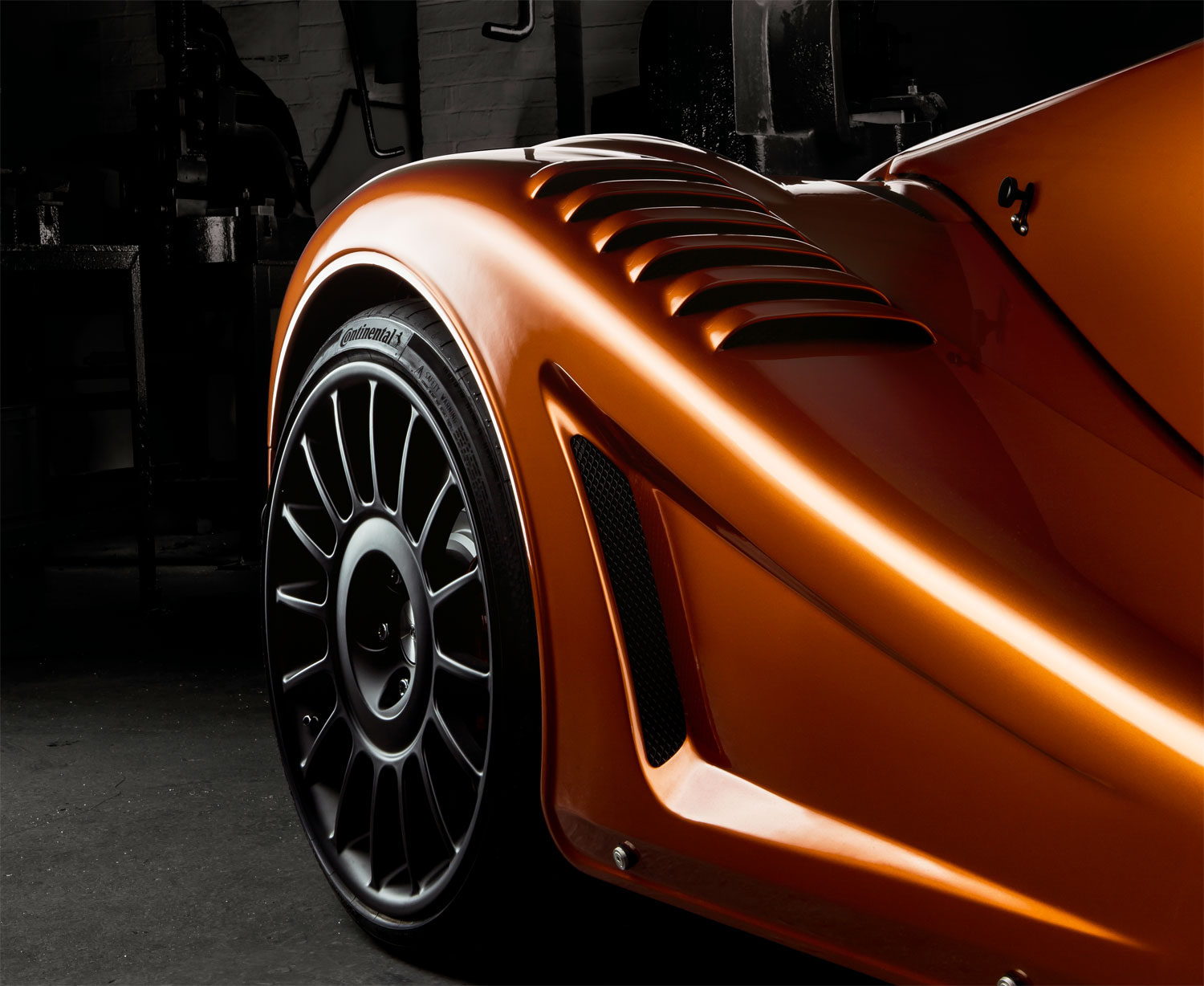Morgan's 170 mph Aero GT - Classic Looks Coupled with a Lot of Punch 3
