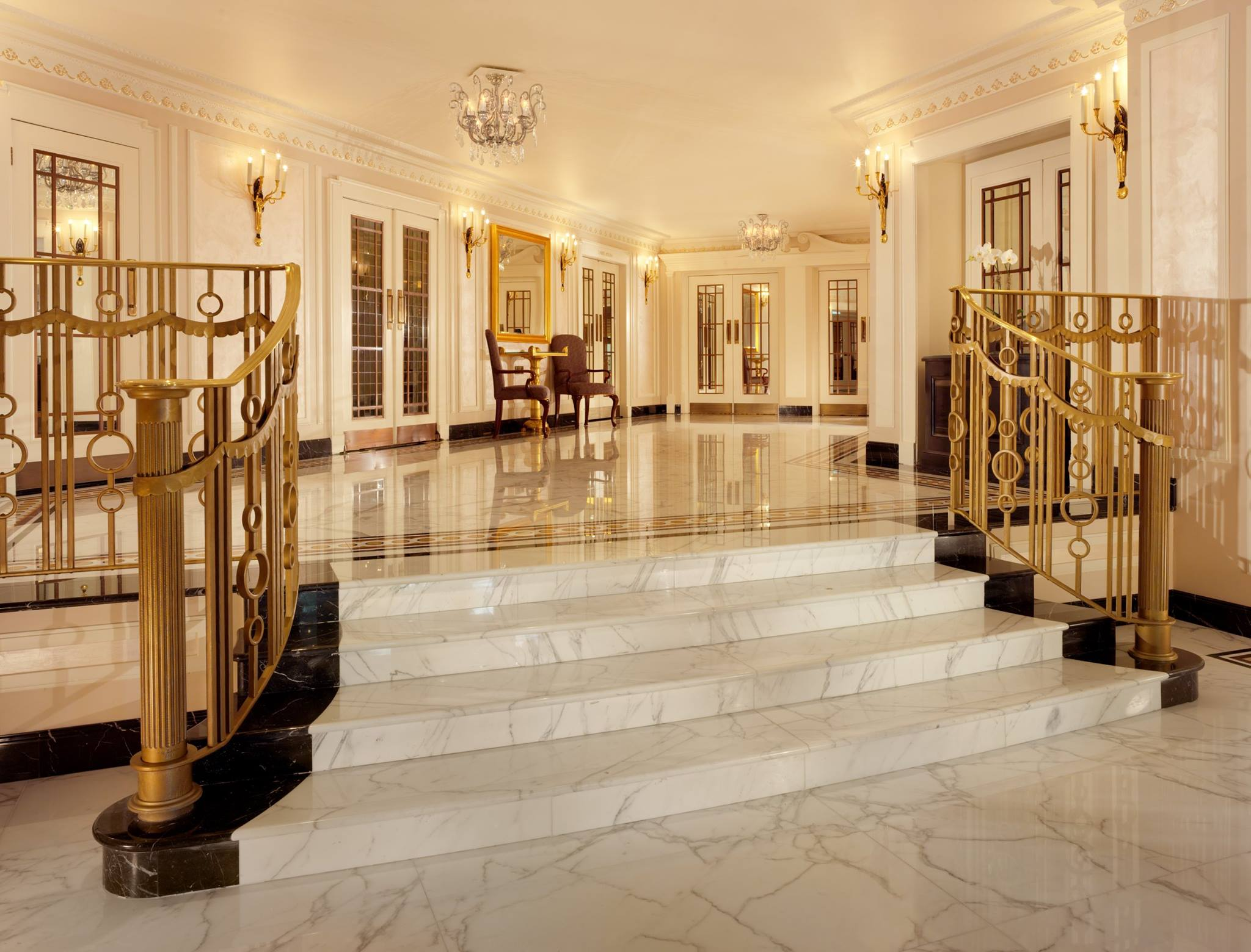 Luxury and legacy at London's The Dorchester 8