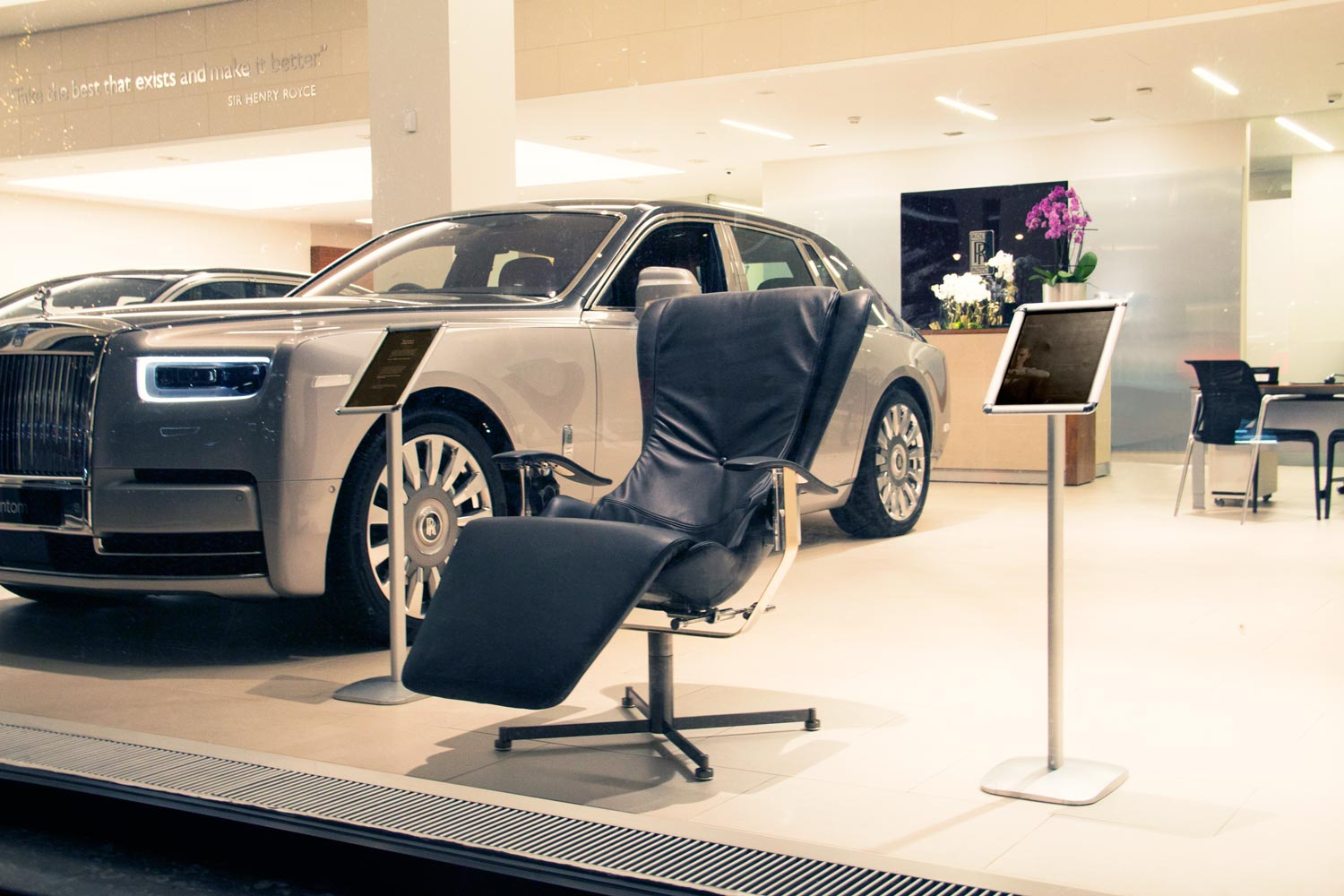 Elysium-R, the Roll-Royce of Chairs Comes to the Heart of London 1