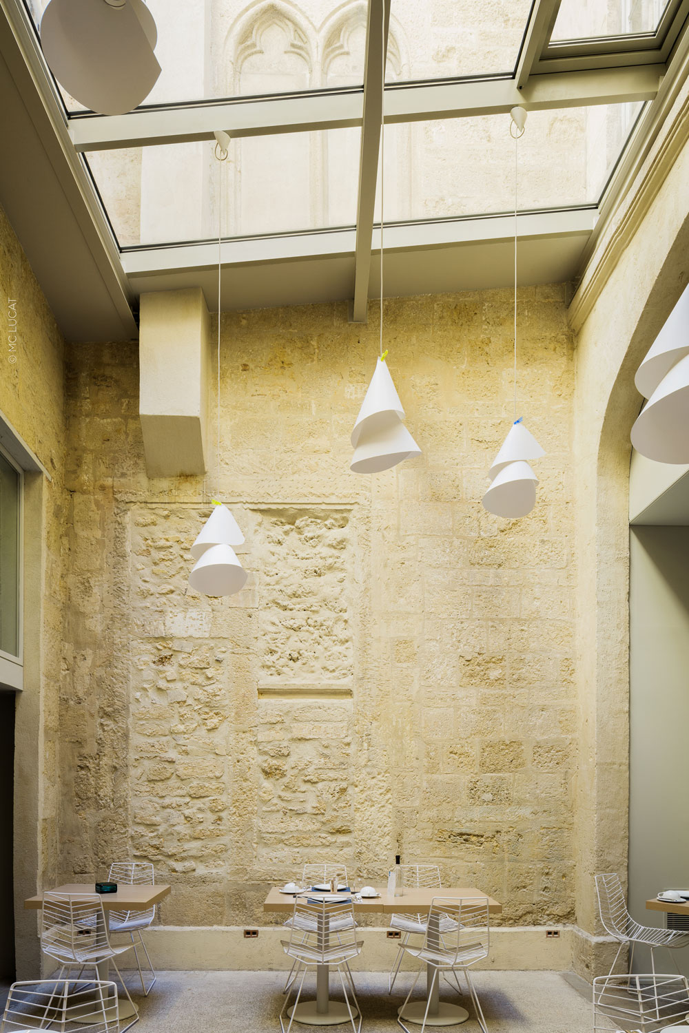 The exquisite golden-hued Montpellier limestone is once again the backdrop at breakfast