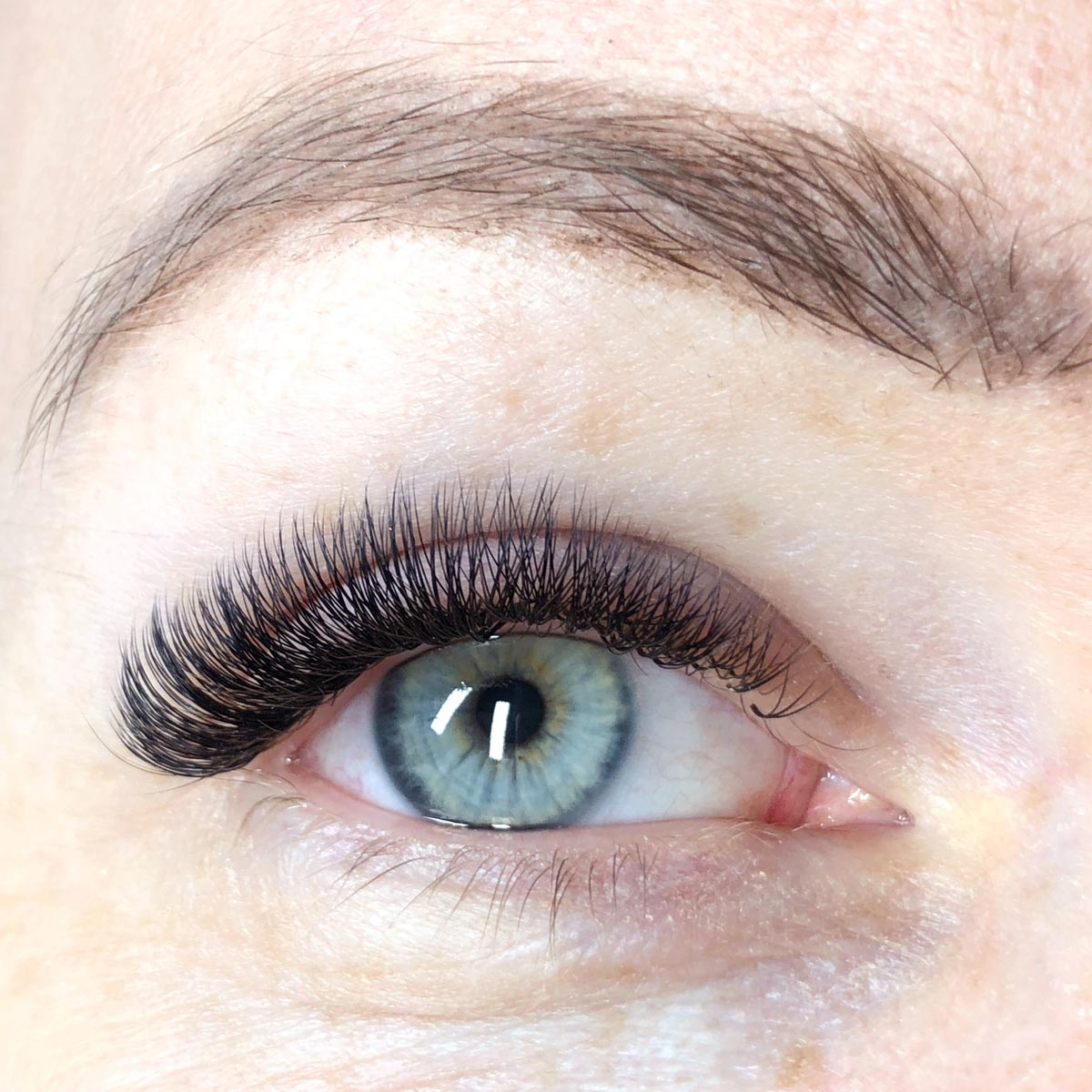 Beauty Treatment Review: Russian Volume Lashes at FATLASH 8