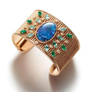 Piaget Manchette Story - A New Collection Of Exquisitely Designed Cuff Bracelets 3