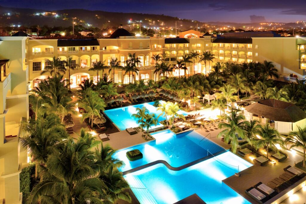 Taking The Theme Of Luxury And Running With It In Jamaica 4