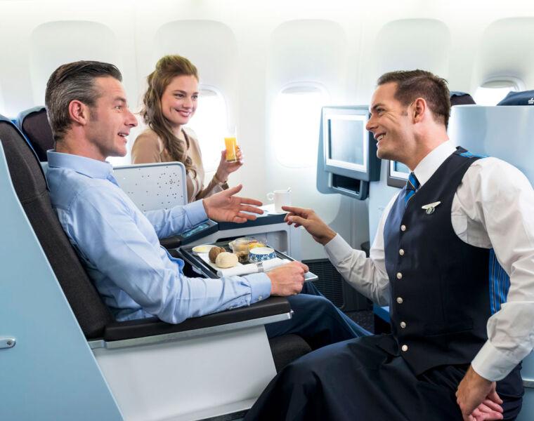 Dutch Masters – KLM Business Class Flight Review 777-200ER JFK to London 33
