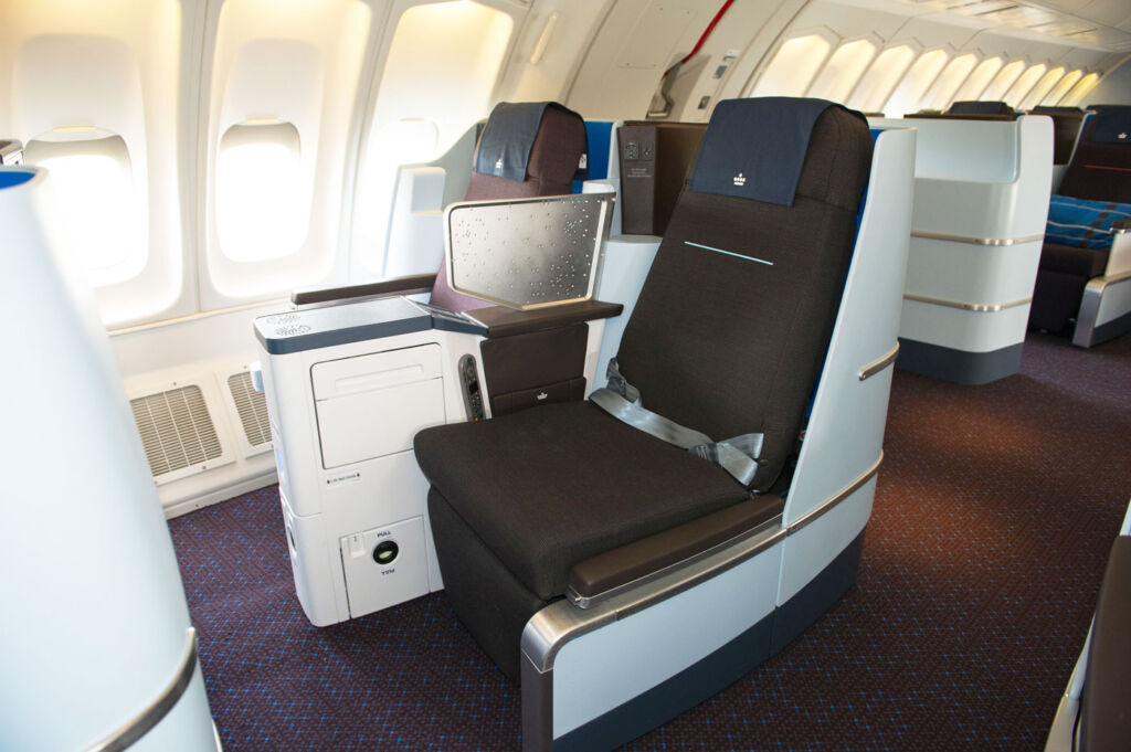 Dutch Masters – KLM Business Class Flight Review 777-200ER JFK to London 2