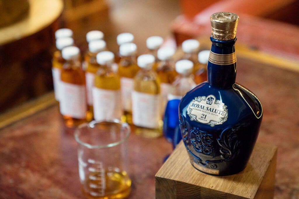 Royal Salute 28 Year Old Kew Palace Edition with tasting bottles