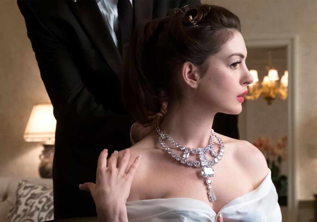 """The Real Star of Ocean's 8 – The Cartier """"Jeanne Toussaint"""" Necklace 5"""