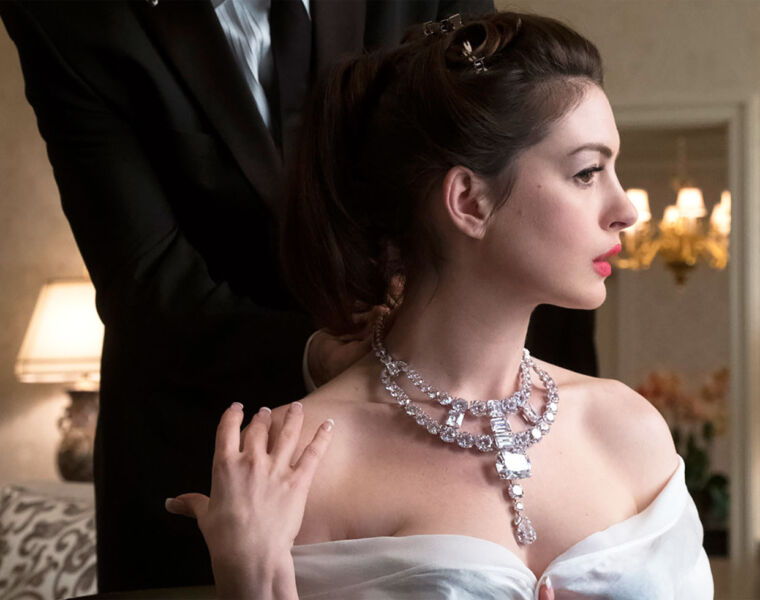 """The Real Star of Ocean's 8 – The Cartier """"Jeanne Toussaint"""" Necklace 50"""