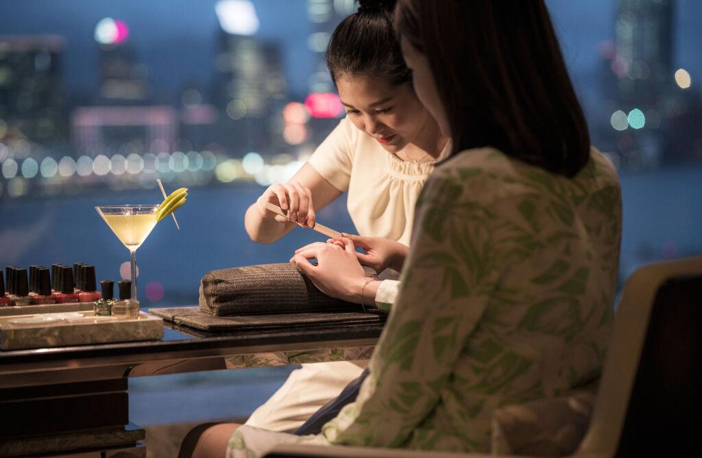 Nail Bar at Four Seasons Hotel Hong Kong