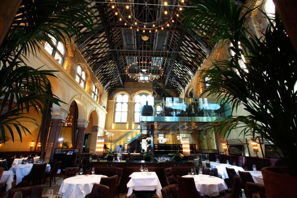 """""""Chapeau"""" To Galvin La Chapelle's Menus Gourmands"""