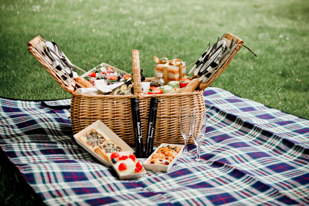 The Balcon's Picnic Basket