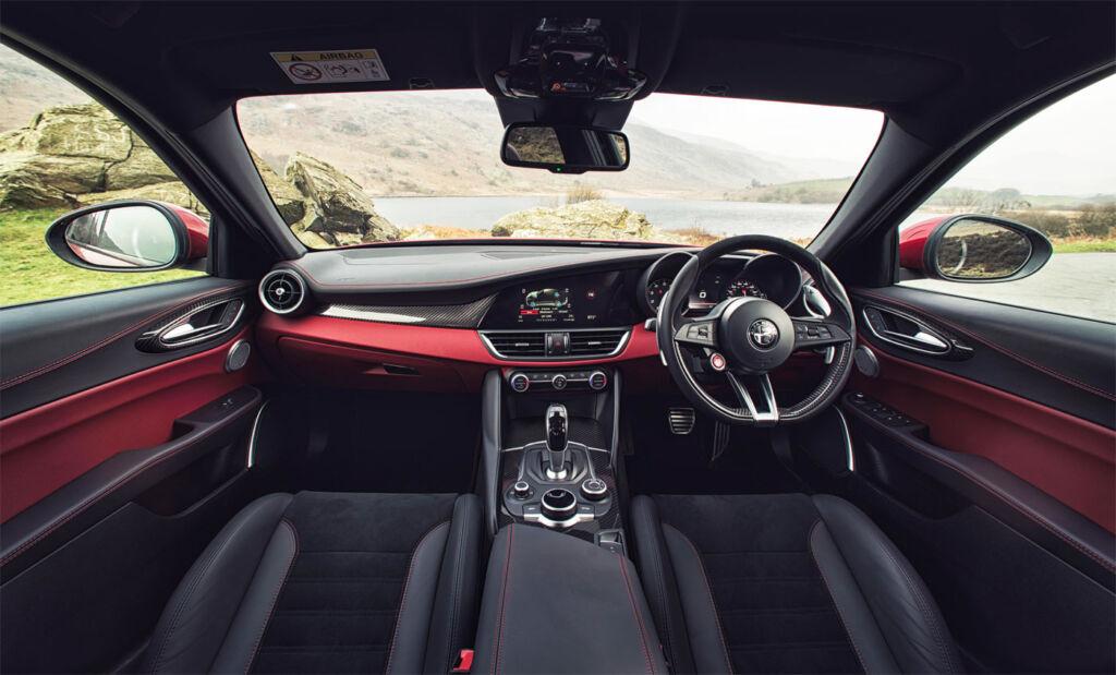 Alfa Romeo Giulia Quadrifoglio 2.9 V6 Bi-Turbo 510hp Review 5