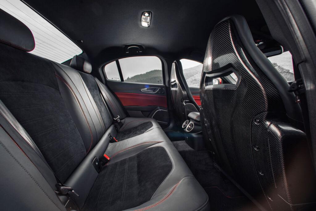 Alfa Romeo Giulia Quadrifoglio 2.9 V6 Bi-Turbo 510hp Review 6