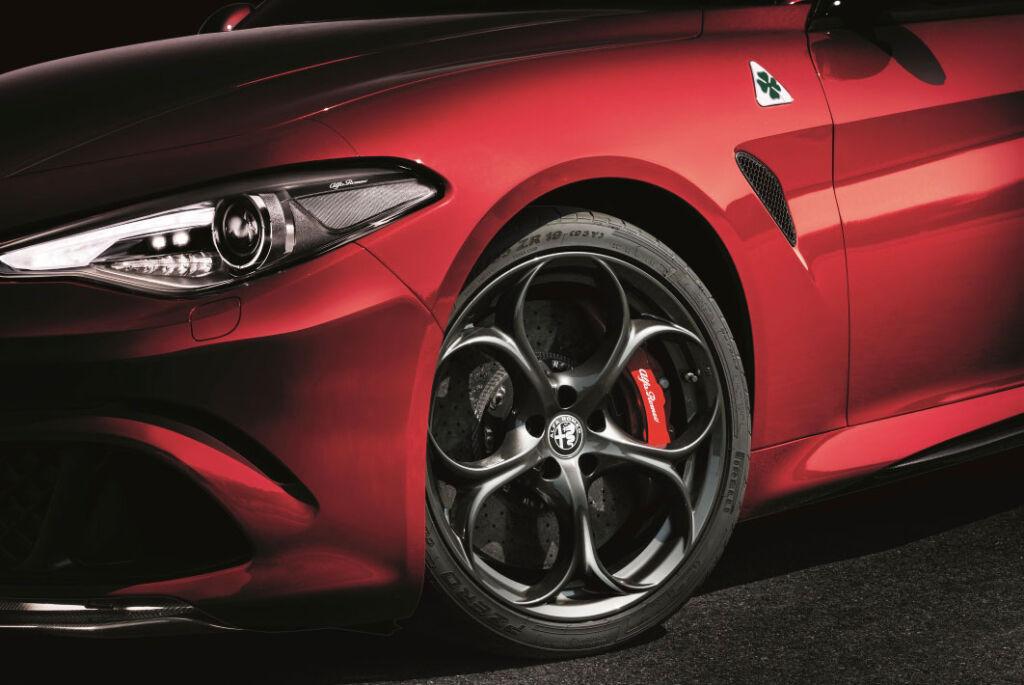 Alfa Romeo Giulia Quadrifoglio 2.9 V6 Bi-Turbo 510hp Review 7