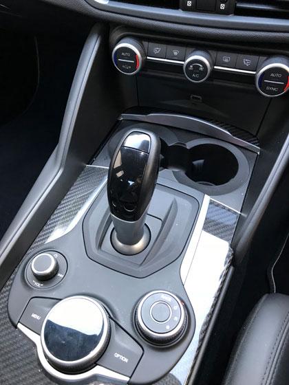 Alfa Romeo Giulia Quadrifoglio 2.9 V6 Bi-Turbo 510hp Review 9
