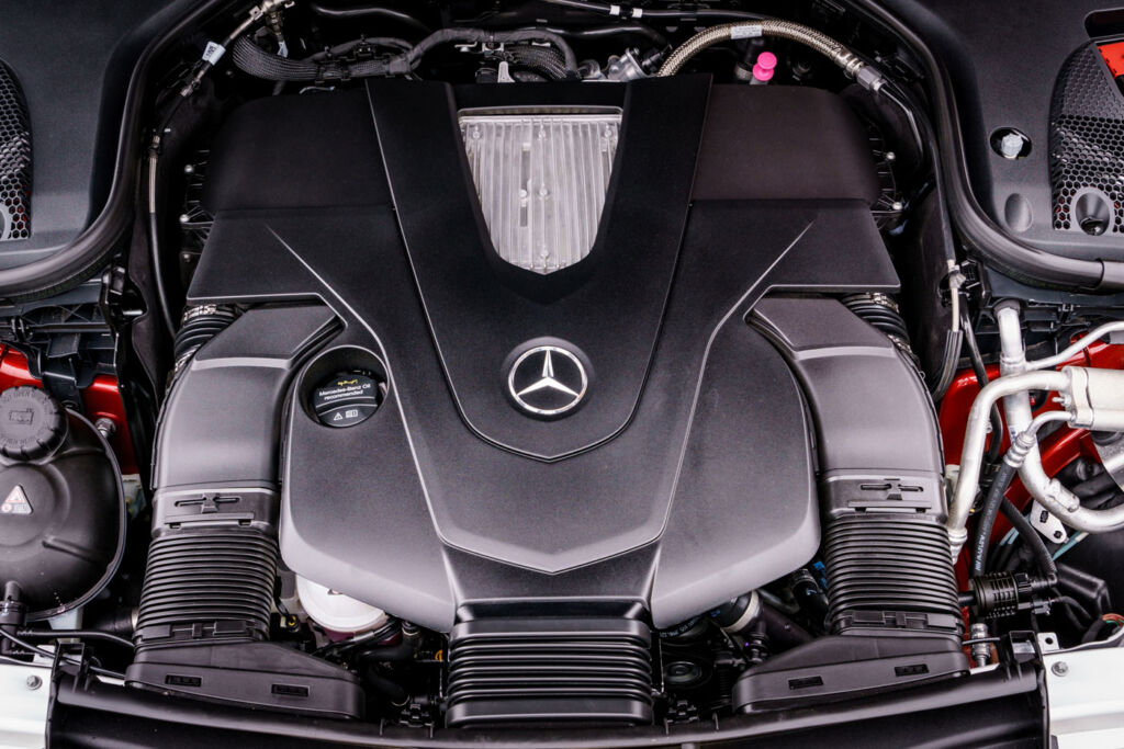 Luxurious Magazine Road Test: The Mercedes-Benz E-Class Coupé 5