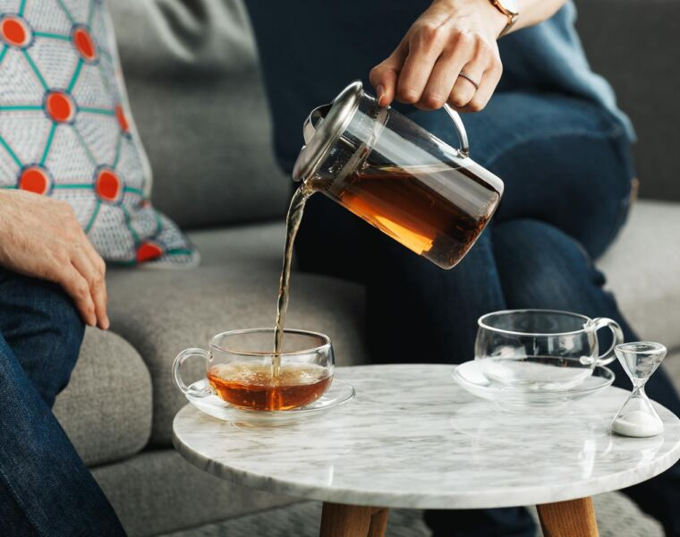 Luxurious Magazine Christmas Gift Idea: The JING Tea Two Cup Teapot Set 18