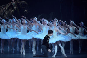 The Story of Swan Lake Shines at London's Coliseum 11