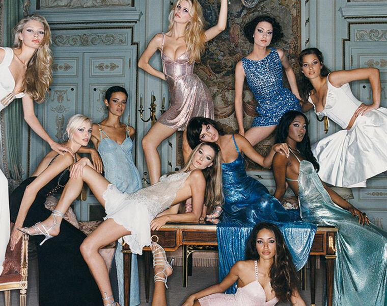 Paris Photo Exhibition Celebrates International Women's Day 13