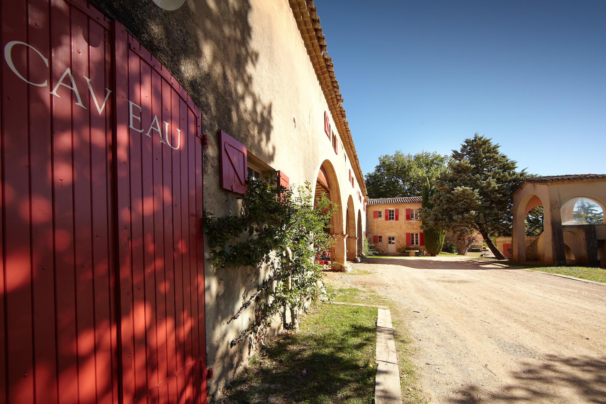 Brad Pitt & Angelina Jolie's Château Miraval Vineyard to Launch New Rosé 7