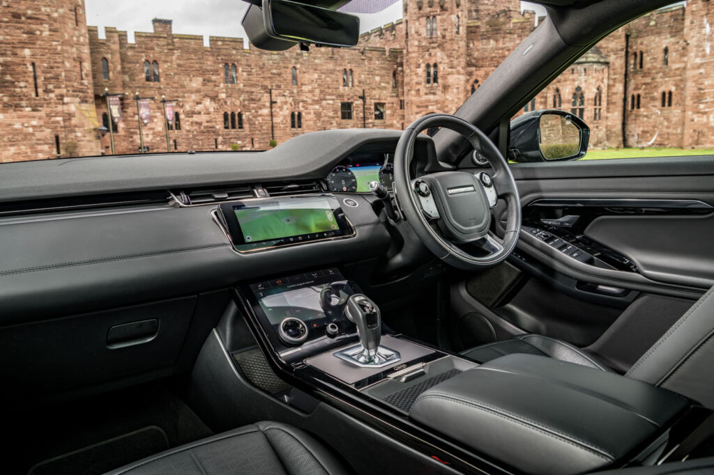 Luxurious Magazine Road Test: The New Range Rover Evoque 8