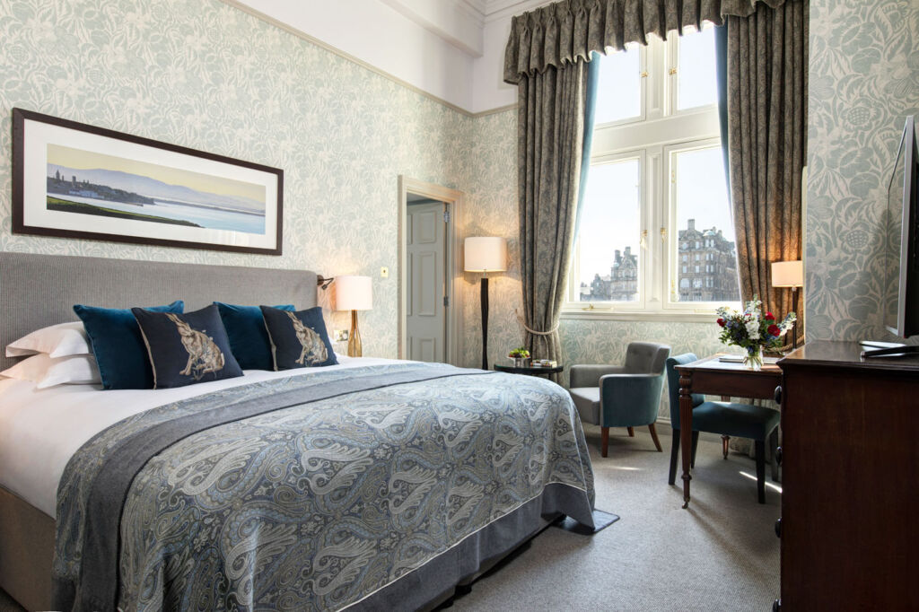 Luxurious Magazine Review of The Balmoral Hotel, Edinburgh, Scotland 8