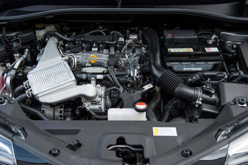 Toyota C-HR Dynamic Hybrid 1.8 5-Door Test Drive and Review 15
