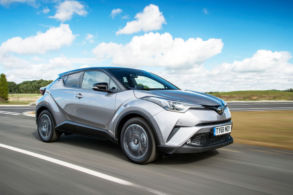 Toyota C-HR Dynamic Hybrid 1.8 5-Door Test Drive and Review 10