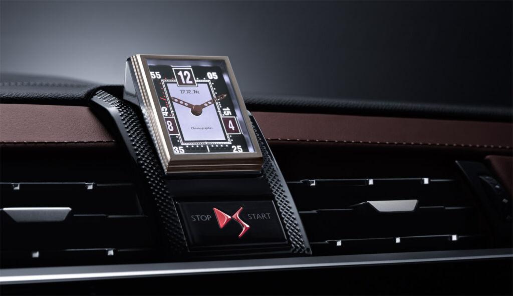 DS 7 CROSSBACK PureTech 180 BRM clock