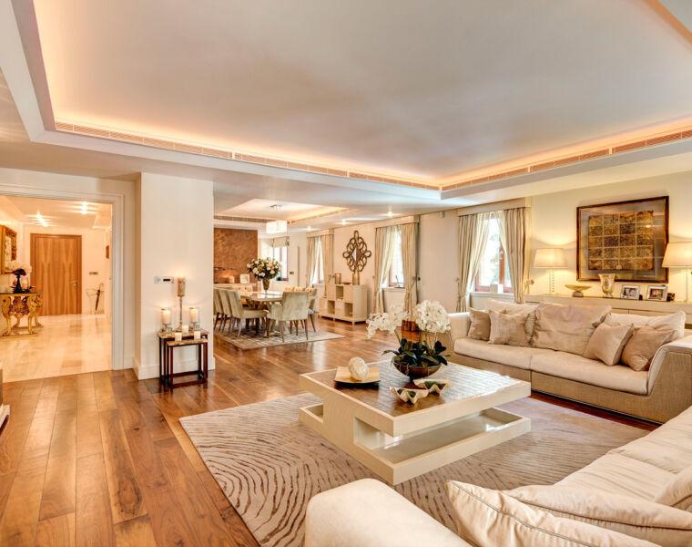 Iconic Fendi Interiors feature in fabulous 2-bed Knightsbridge Apartment Rental 27