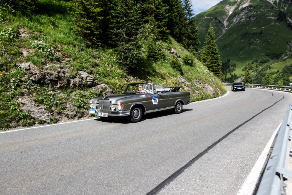"""""""Gold But Never Old"""" - Vintage Cars Conquer Streets For Arlberg's 10th Classic Car Rally 4"""