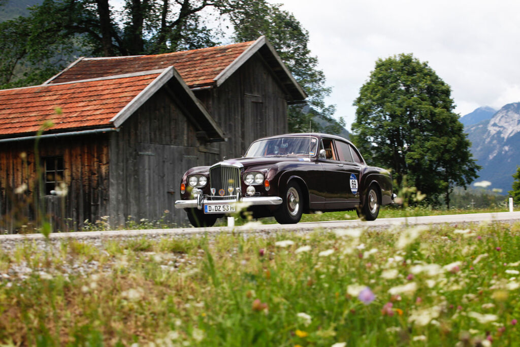 """""""Gold But Never Old"""" - Vintage Cars Conquer Streets For Arlberg's 10th Classic Car Rally 6"""