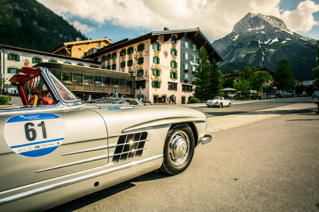 A classic Mercedes-Benz outside the Post Lech Hotel