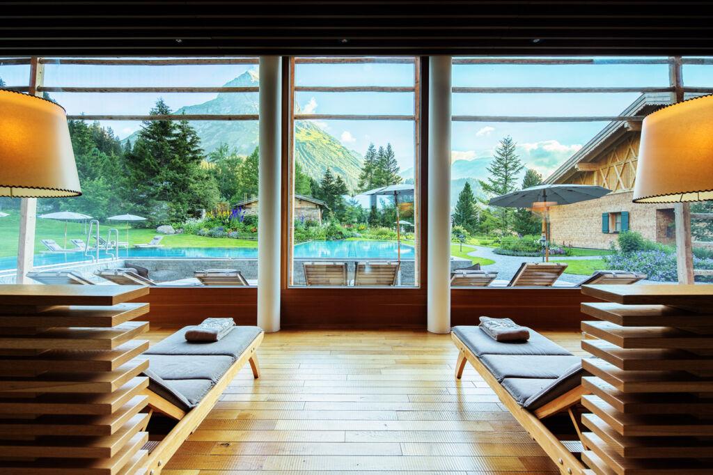 Post Lech hotel swimming pool