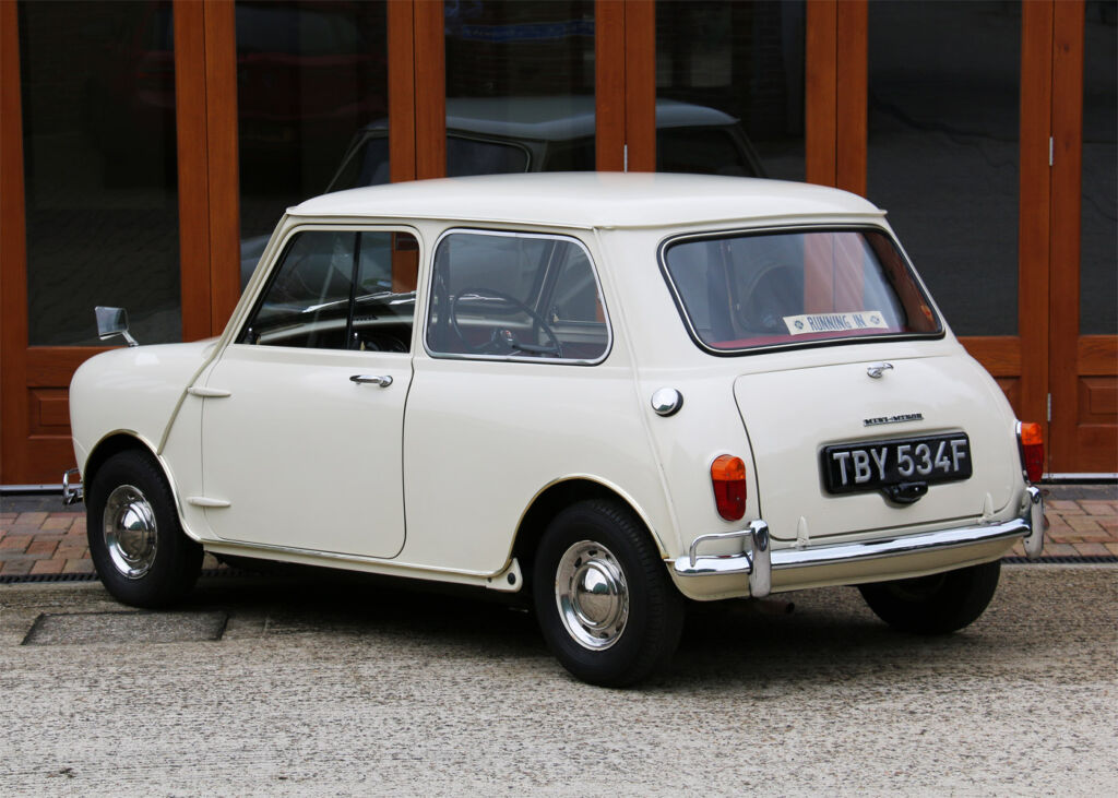 1968 Mk1 Morris Minor-Mini Super De Luxe with Just 272 miles on the Clock! 4