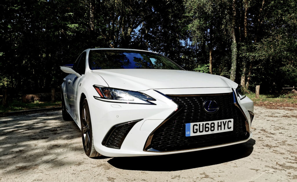 Lexus ES 300h F Sport Luxurious Magazine UK road test review 2019