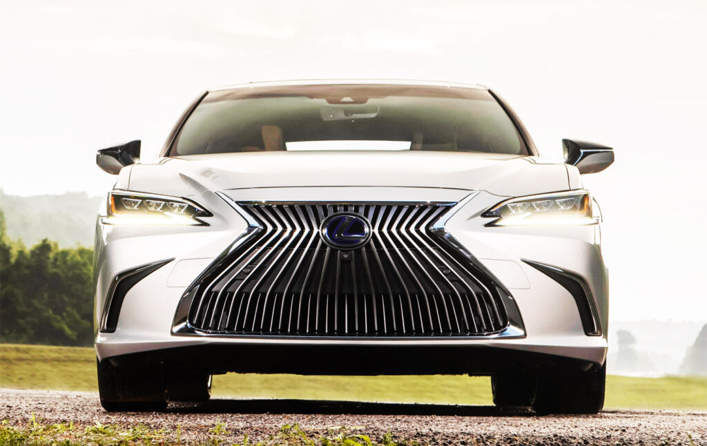 Luxurious Magazine Road Test: The Lexus ES 300h F Sport 5