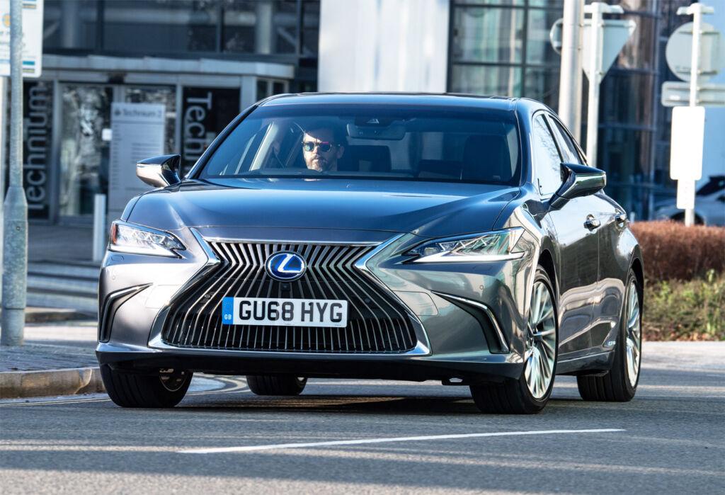 Luxurious Magazine Road Test: The Lexus ES 300h F Sport 4