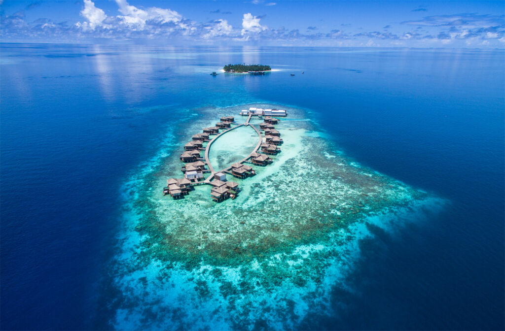 Raffles Maldives Meradhoo's Twin Island Resort