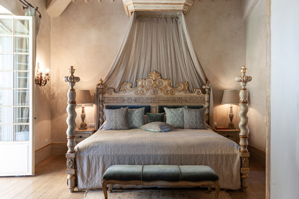 The new bed in the Borgo Santo Pietro suite