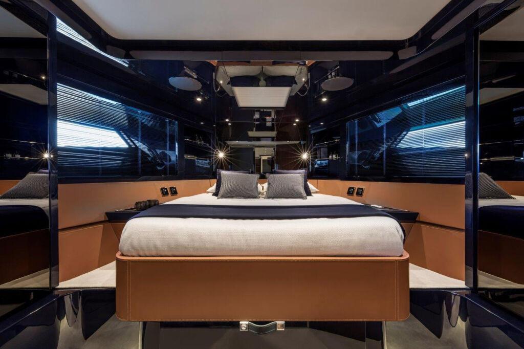 Inside the Dolceriva Cruiser