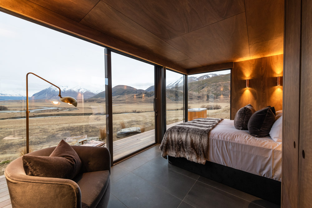 Luxury Mirrored Pods Open at Lindis