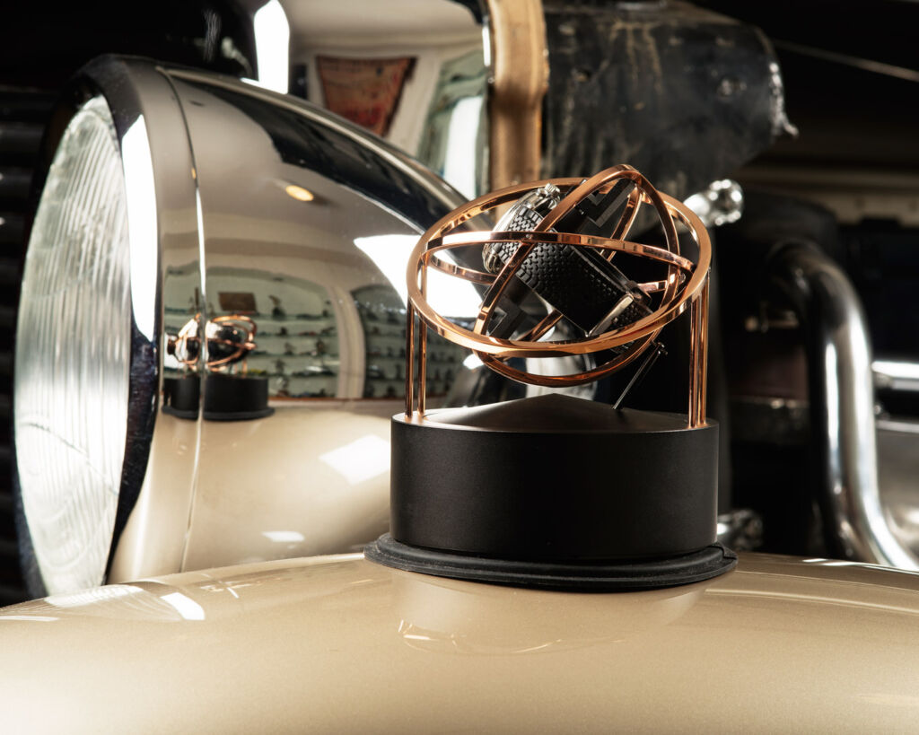 Are you Winding me up? The Bernard Favre Planet Double-Axis Watch Winder 3