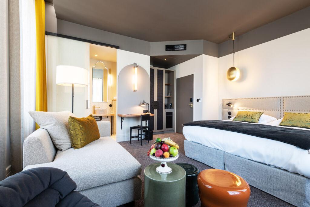 Hotel de l'Abbaye bedroom suite