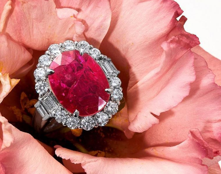 Rare 14.67 Carat Natural Ruby Smashes Initial Estimate at UK Auction 4