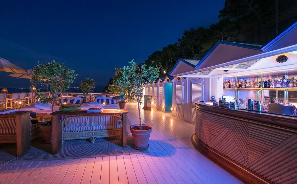 Riccio Sea Lounge.