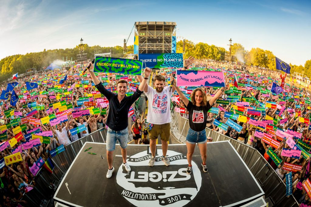 Sziget Festival Offers 2019 Headline Act Merchandise to Aid the Superar Charity 7